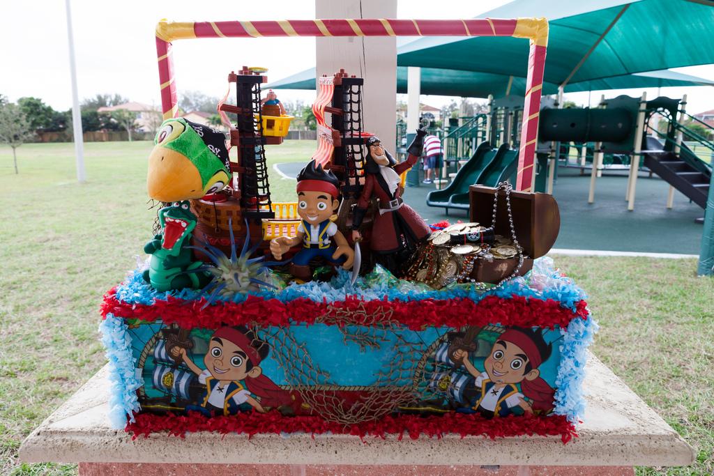 kids picnic birthday party cake pirates